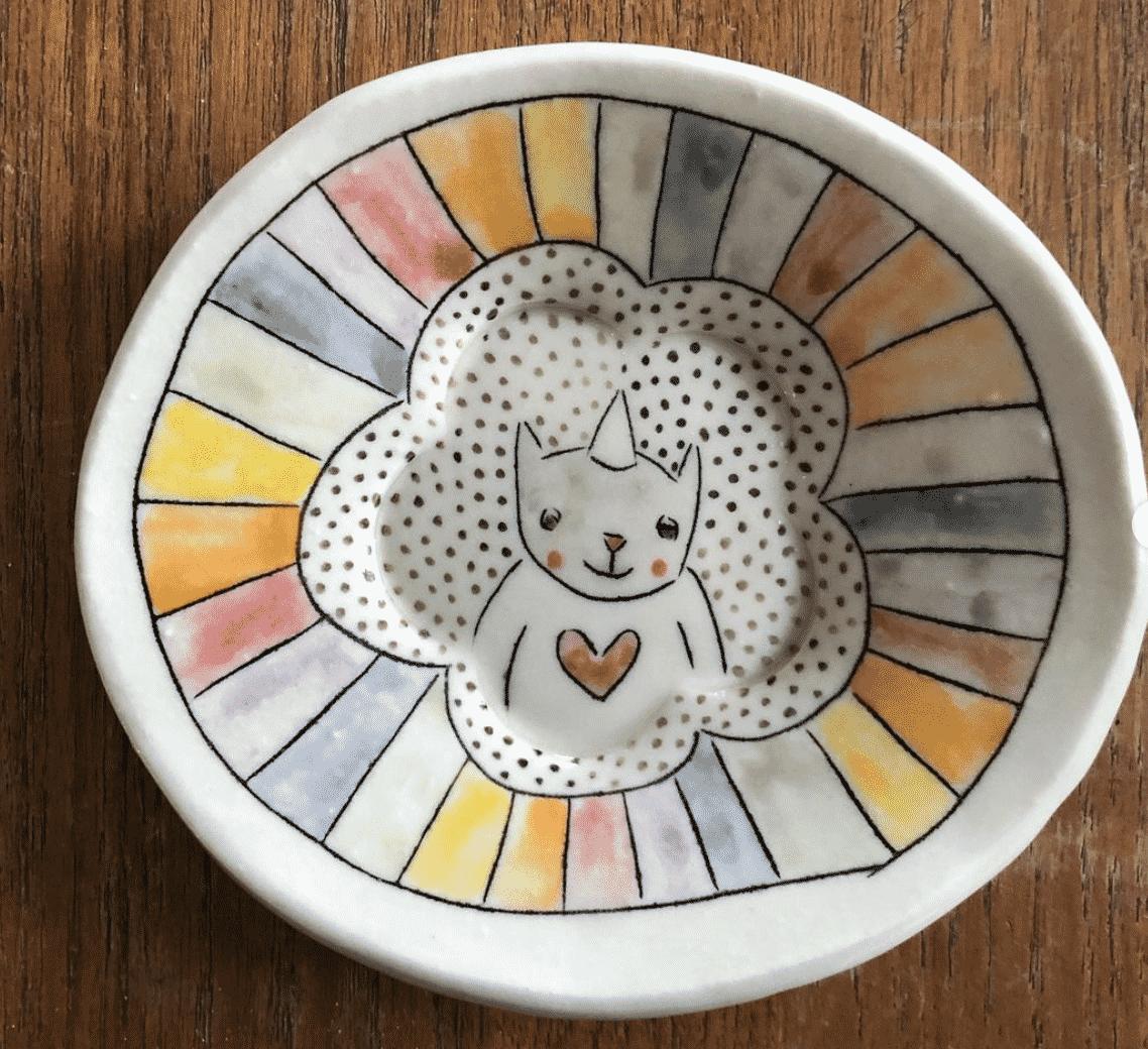 Carole Epp – How to make unique illustrative pottery